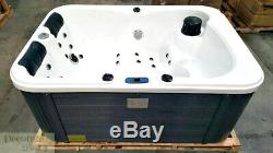 2 PERSON HOT TUB SPA OUTDOOR Hydrotherapy 31 Jets 2 Lounger 220v Hard Cover New