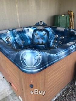 Hot Tub Spa-8 seats, Jacuzzi withozonator, Stereo, Lights & Accessories