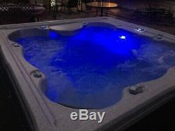 Hot tub, Marquise Spa, 6 person, 45 hydro jets, stairs, cover, 2-waterfalls