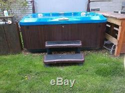 Hot tub spa jacuzzi j365, large comfort open seating for 7 adults