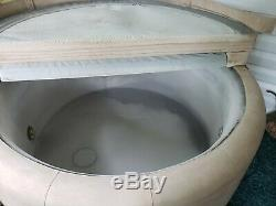 Softub T-140 Hot Tub Spa. Excellent condition, Digital Pump Pack with Light